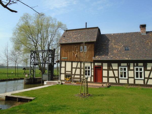 Beliebtes Ausflugsziel, die Radduscher Buschmühle, Foto: Tourist-Info Vetschau