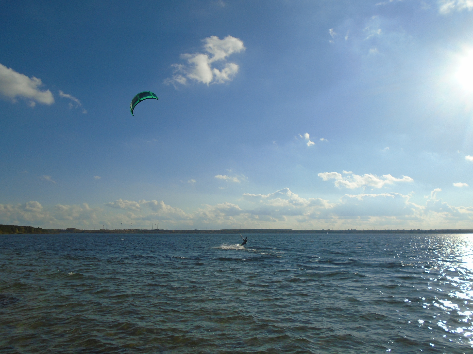 Kitesurfen auf dem Gräbendorfer See, Foto: Tourist-Information Vetschau