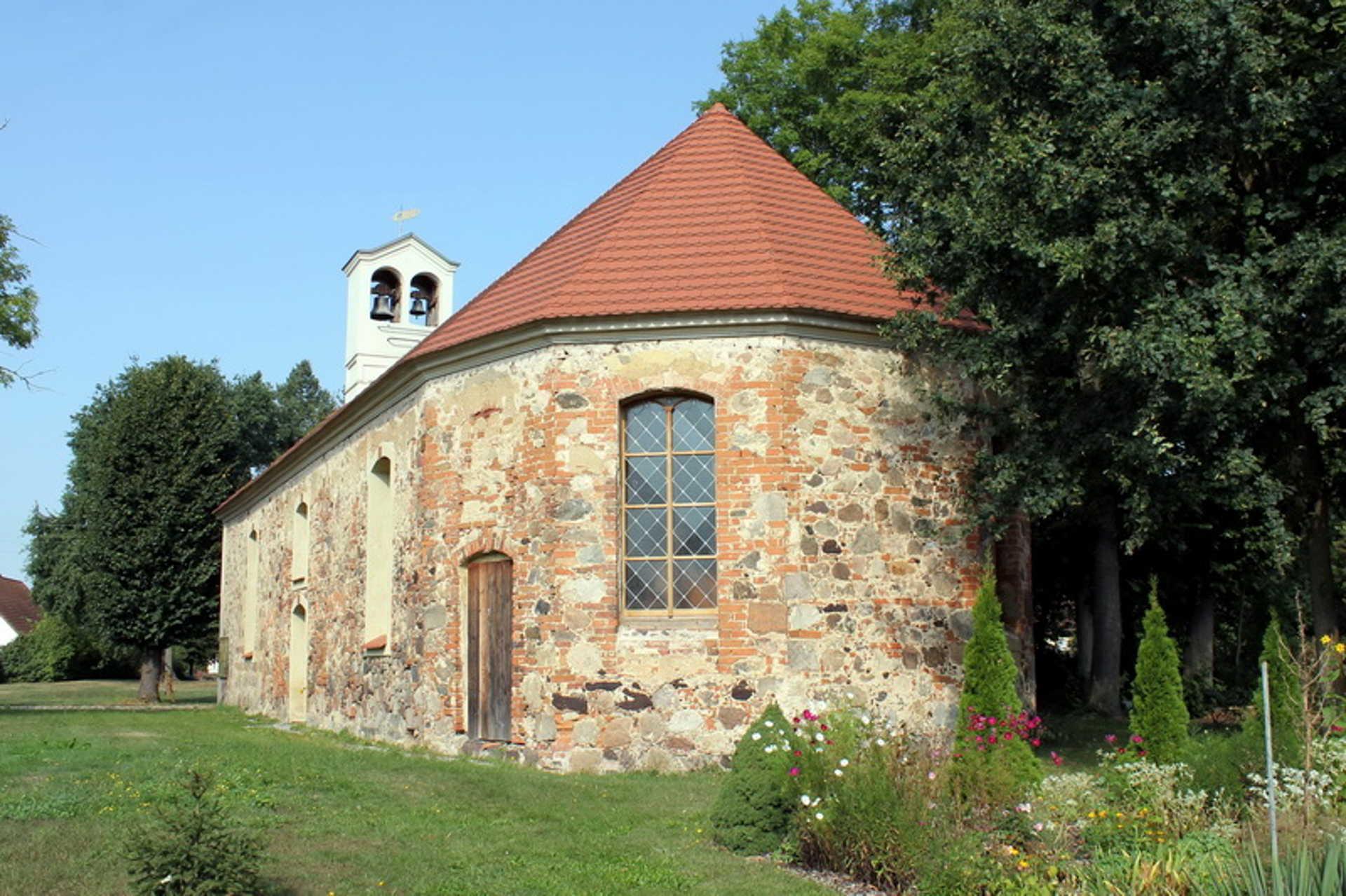 Dorfkirche in Wüstenhain, Foto: Stadt Vetschau/Spreewald